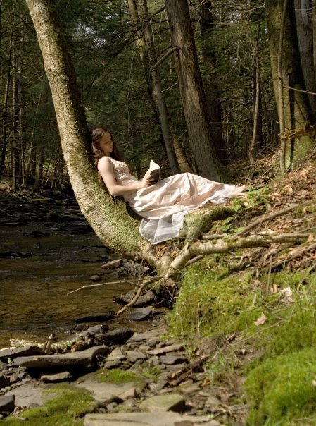 Girl-Reading-in-a-Forest