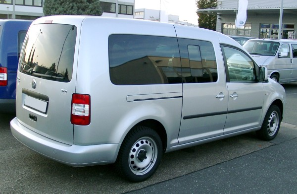 vw-caddy-02
