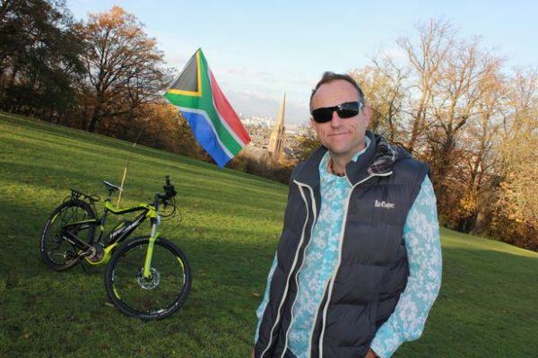 Bruce-MacLeod-and-e-bike-01